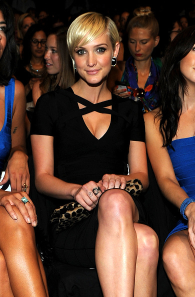 Form Fitted Dress「Herve Leger By Max Azria - Front Row - Spring 2012 Mercedes-Benz Fashion Week」:写真・画像(18)[壁紙.com]