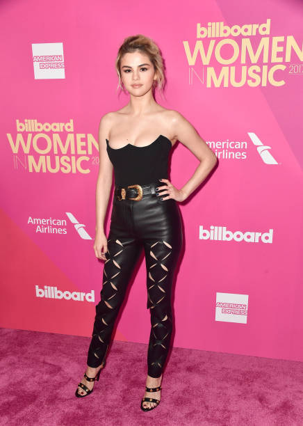Selena Gomez「Billboard Women In Music 2017 - Arrivals」:写真・画像(8)[壁紙.com]