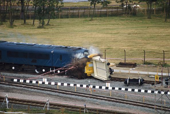 Test Track「Nuclear Waste Flask Survives Train Crash」:写真・画像(8)[壁紙.com]