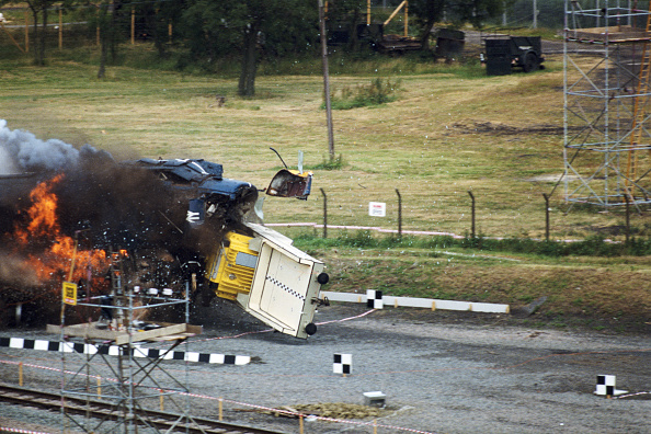 Test Track「Nuclear Waste Flask Survives Train Crash」:写真・画像(11)[壁紙.com]