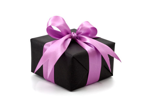 プレゼント「ブラックのギフトボックスにピンクのリボン」:スマホ壁紙(0)