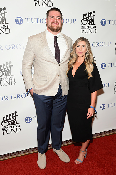 出席する「32nd Annual Great Sports Legends Dinner To Benefit The Miami Project/Buoniconti Fund To Cure Paralysis - Arrivals」:写真・画像(8)[壁紙.com]