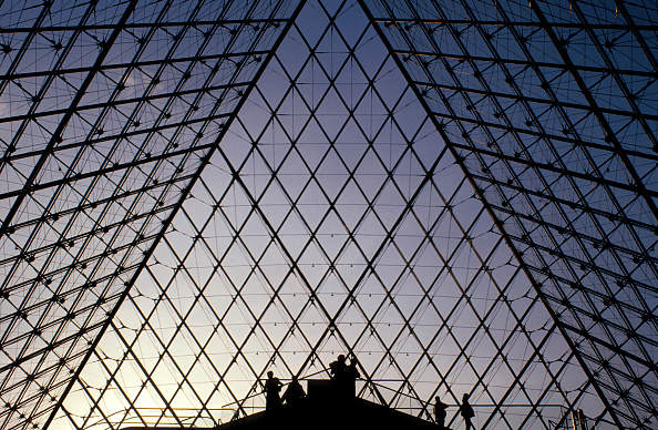 Built Structure「The Louvre pyramid. Paris, France. Architect: I.M Pei.」:写真・画像(9)[壁紙.com]