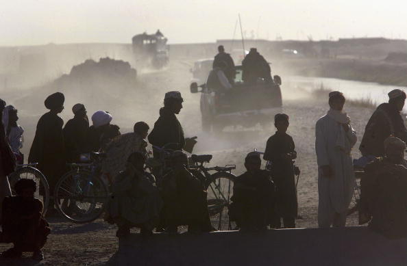 Taliban「Afghan and US Teams Fight Opium Trade In Helmand Province Of Southern Afghanistan」:写真・画像(2)[壁紙.com]