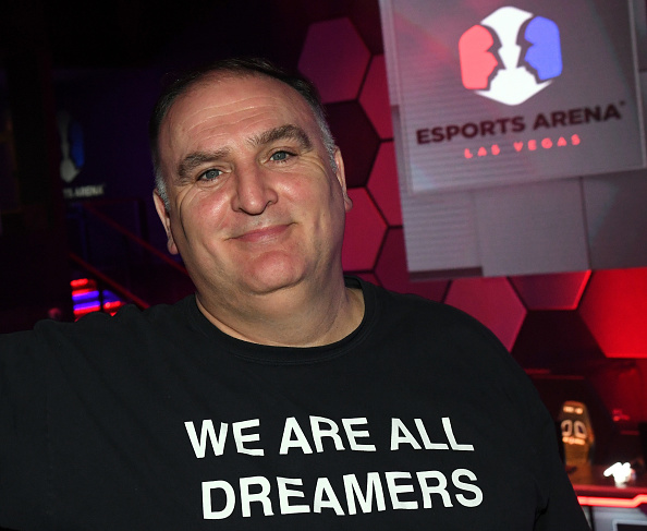 Chef「Grand Opening Of Esports Arena Las Vegas, The First Dedicated Esports Arena On The Las Vegas Strip At Luxor Hotel and Casino」:写真・画像(8)[壁紙.com]