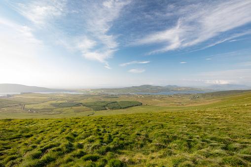 Ring of Kerry「Rural Irish landscape near Kerry Cliffs Portmagee, Ireland」:スマホ壁紙(3)