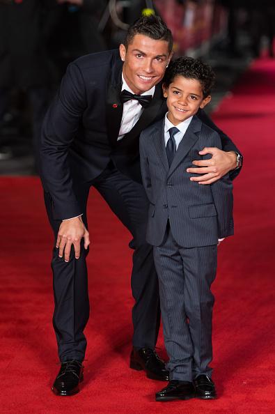 "Son「""Ronaldo"" - World Premiere - Red Carpet Arrivals」:写真・画像(7)[壁紙.com]"
