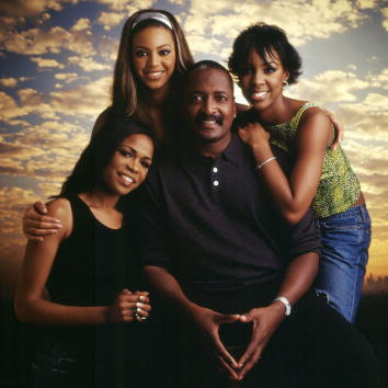 Destiny's Child「Studio Portrait of Destiny's Child & Matthew Knowles」:写真・画像(16)[壁紙.com]