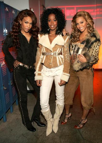 Kelly public「MTV TRL With Destiny's Child And Salma Hayek」:写真・画像(1)[壁紙.com]