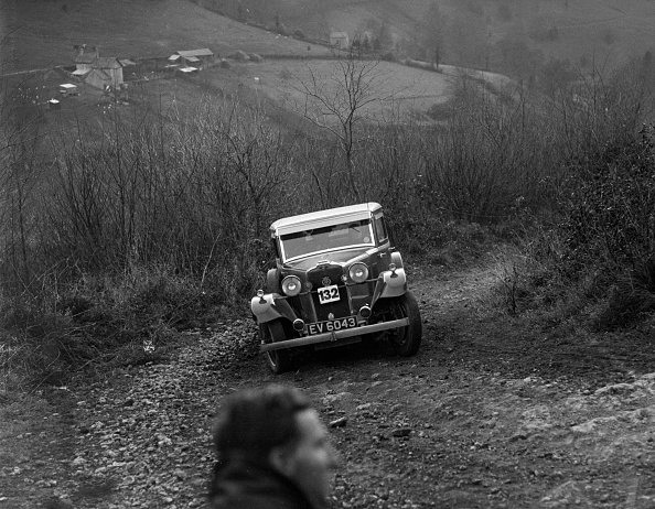 Country Road「Talbot 14 hp saloon of D Pamphlett, North West London Motor Club London-Gloucester Trial, 1932」:写真・画像(19)[壁紙.com]