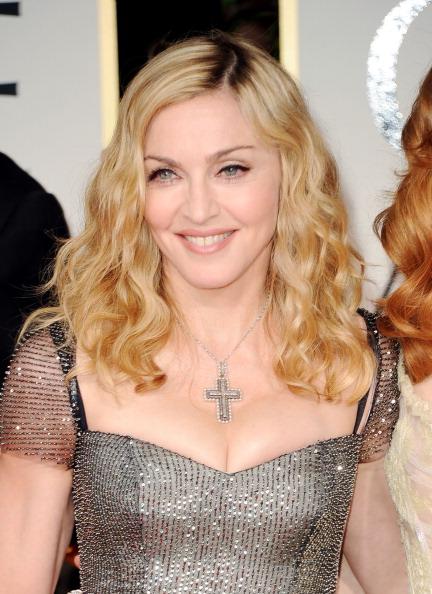 Cross Shape「69th Annual Golden Globe Awards - Arrivals」:写真・画像(5)[壁紙.com]