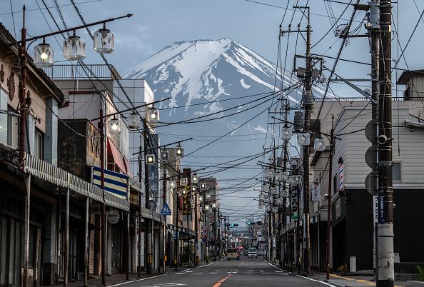 Mount Fuji「Coronavirus Closes Mount Fuji For 2020 Hiking Season」:写真・画像(0)[壁紙.com]