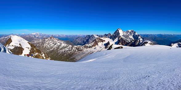 雪景色「Italy, Lombardia, Valfurva, Monte Zebru in early Summer」:スマホ壁紙(12)