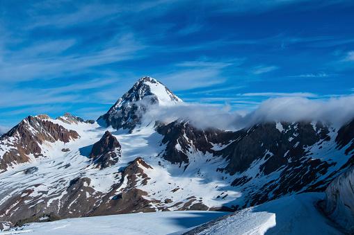 雪景色「Italy, Lombardia, Valfurva, Monte Zebru in early Summer」:スマホ壁紙(10)