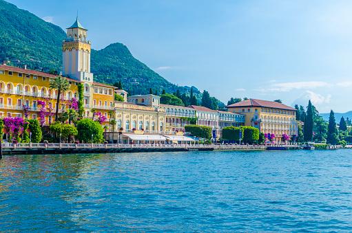 Resort「Italy, Lombardy, Gardone Riviera, Lake Garda, Grandhotel」:スマホ壁紙(17)