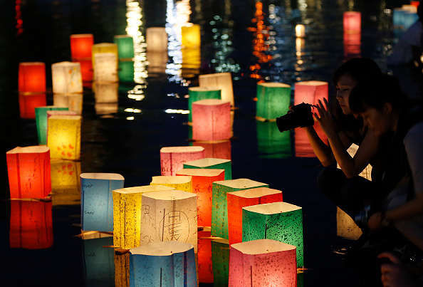 Floating Candle「Hiroshima Marks the 71st Anniversary of Atomic Bombing」:写真・画像(14)[壁紙.com]