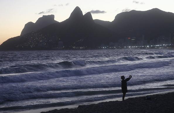 大人「Rio De Janeiro Sea Levels Expected To Rise 14 Centimeters By 2020」:写真・画像(3)[壁紙.com]