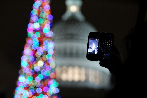 Stanislaus National Forest「Lawmakers Attend Capitol Christmas Tree Lighting Ceremony」:写真・画像(5)[壁紙.com]