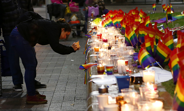 フロリダ州オーランド「Australians Hold Candlelit Vigils For Victims Of Orlando Nightclub Shooting」:写真・画像(15)[壁紙.com]