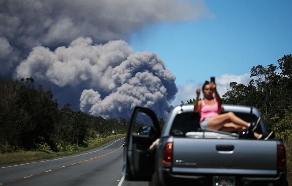 Mario Tama「Hawaii's Kilauea Volcano Erupts Forcing Evacuations」:写真・画像(5)[壁紙.com]