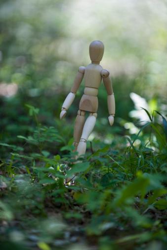 デジタル合成「The doll in a forest.」:スマホ壁紙(19)