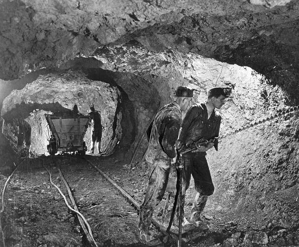 Bauxite「Bauxite Mining」:写真・画像(2)[壁紙.com]
