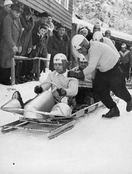 Garmisch-Partenkirchen「Bobsleigh Racing」:写真・画像(7)[壁紙.com]