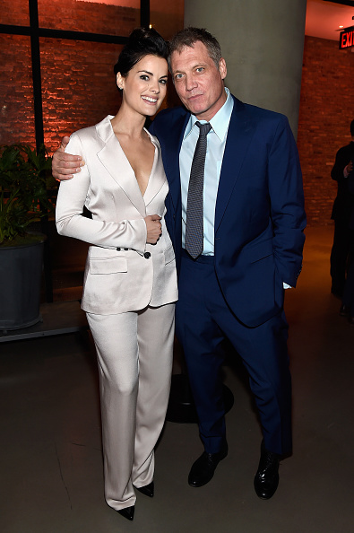 Beige「Entertainment Weekly And PEOPLE Upfronts Party At Second Floor In NYC Presented By Netflix And Terra Chips - Inside」:写真・画像(18)[壁紙.com]