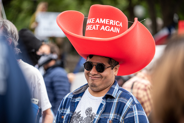 MAGA「Demonstrators Protests At Texas State Capitol Against Governor's Stay At Home Order」:写真・画像(5)[壁紙.com]