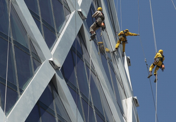 Rappelling「The Nepalese Window Washers Of Doha」:写真・画像(18)[壁紙.com]