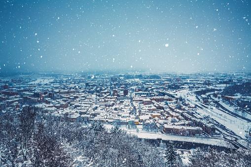 吹雪「冬の街」:スマホ壁紙(2)