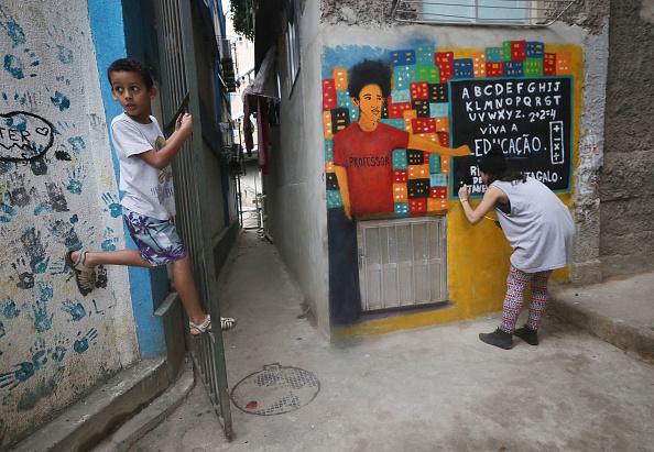 Graffiti「Rio Favela Prepares To Host Tourists During 2016 Summer Olympics」:写真・画像(17)[壁紙.com]