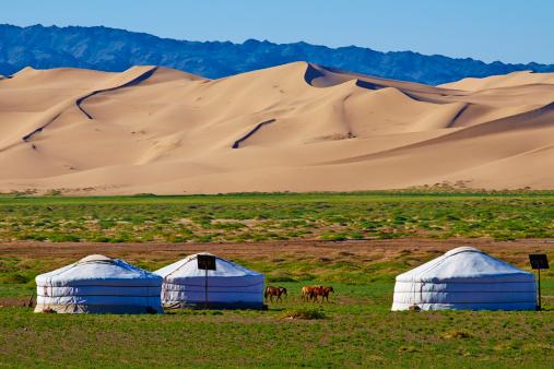 Tent「Mongolia, Gobi desert, Khongoryn Els dunes」:スマホ壁紙(9)