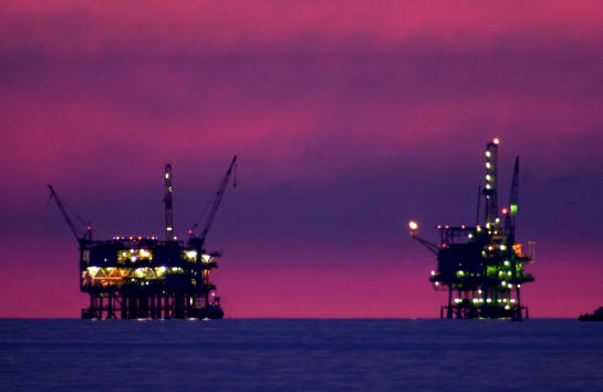 Oil Industry「California Oil is Source of Wealth and Fear」:写真・画像(3)[壁紙.com]
