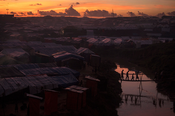 Paula Bronstein「Rohingya Refugees Flood Into Bangladesh」:写真・画像(10)[壁紙.com]