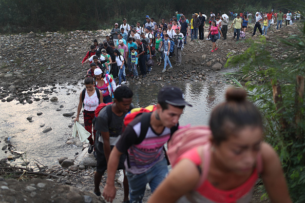 Crossing「Colombian Border Towns See Influx Of Venezuelans Crossing Amid Country's Political Turmoil」:写真・画像(18)[壁紙.com]