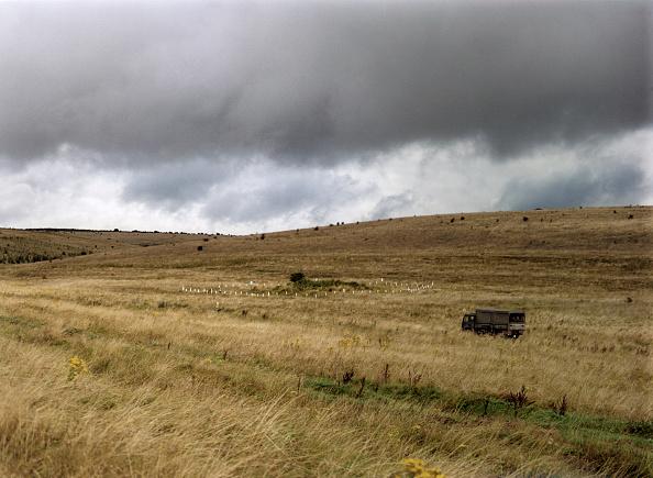 Overcast「Barrow on Salisbury Plain, Wiltshire, 1999. Artist: IJ Leonard」:写真・画像(5)[壁紙.com]