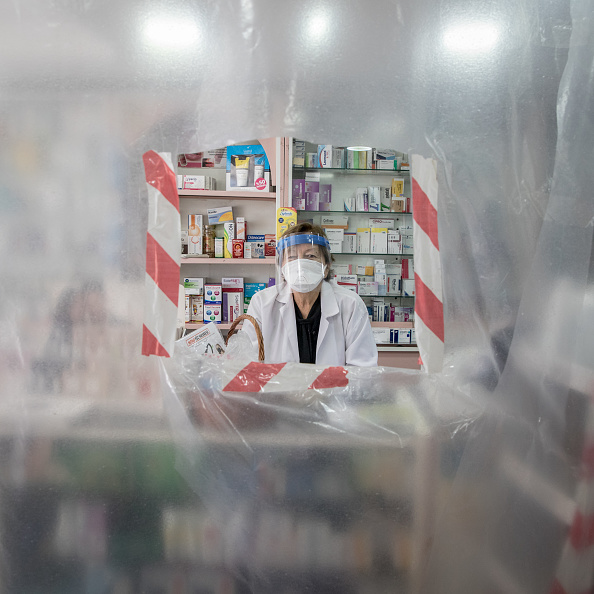 Barricade「Turkey's Frontline Pharmacists」:写真・画像(1)[壁紙.com]