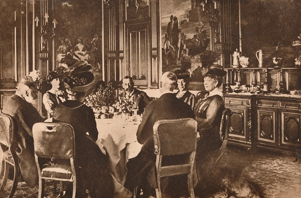 Dining Room「Food shortages during the First World War, 1914-1918 (1935). Artist: Unknown.」:写真・画像(5)[壁紙.com]