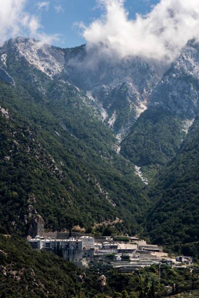 Agiou Pavlou monastery from the sea in Halkidiki, Athos, Greece:スマホ壁紙(壁紙.com)