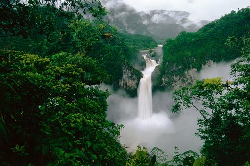1990-1999「San Rafael (Coca) Falls on Quijos River」:スマホ壁紙(16)