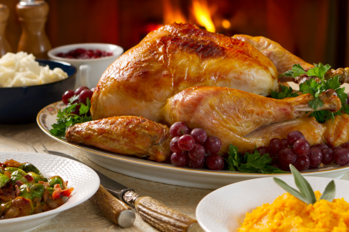 Carving Knife「Hearty and cozy turkey dinner with fireplace in background」:スマホ壁紙(12)