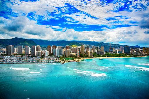 オアフ島「ハワイのホノルルのダウンタウンのスカイライン」:スマホ壁紙(15)