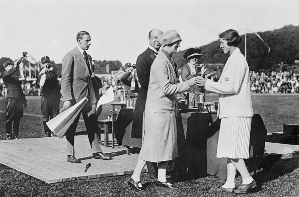 1926「1926 Women's World Games - Prize Giving」:写真・画像(3)[壁紙.com]
