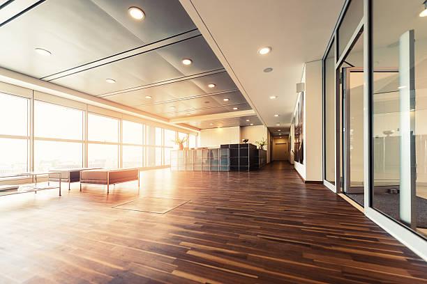Office reception with wood floors and window wall:スマホ壁紙(壁紙.com)