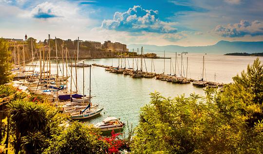 Corfu「Corfu town marina」:スマホ壁紙(4)