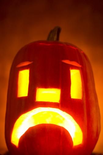 Frowning「Frowning jack-o-lantern」:スマホ壁紙(12)