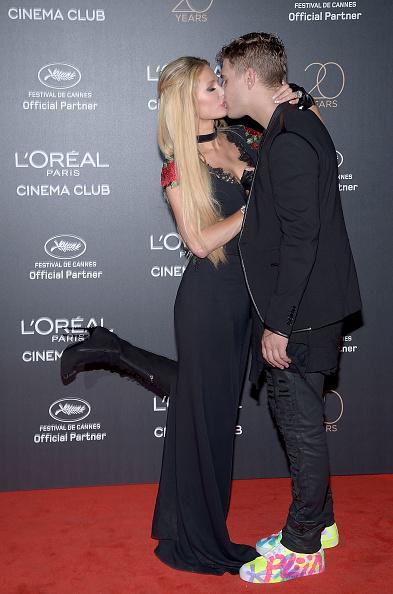 パリス・ヒルトン「Gala 20th Birthday Of L'Oreal In Cannes - The 70th Annual Cannes Film Festival」:写真・画像(5)[壁紙.com]