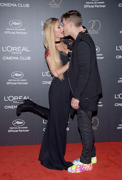 パリス・ヒルトン「Gala 20th Birthday Of L'Oreal In Cannes - The 70th Annual Cannes Film Festival」:写真・画像(6)[壁紙.com]