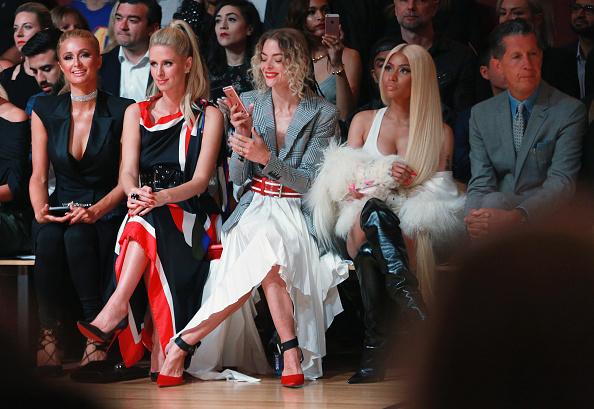 パリス・ヒルトン「Monse - Front Row - September 2017 - New York Fashion Week: The Shows」:写真・画像(19)[壁紙.com]
